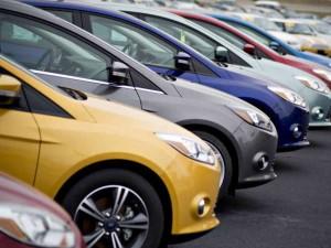Los consumidores buscan opiniones en Internet antes de comprar se un coche